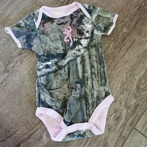 3/$15 Browning camouflage camo onesie size 12 M